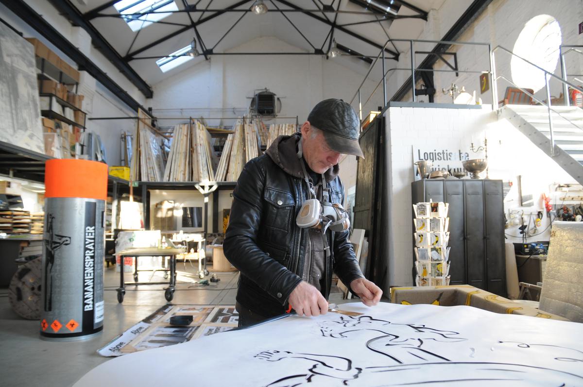 Thomas Baumgärtel in seinem Atelier © Nicole Meyer