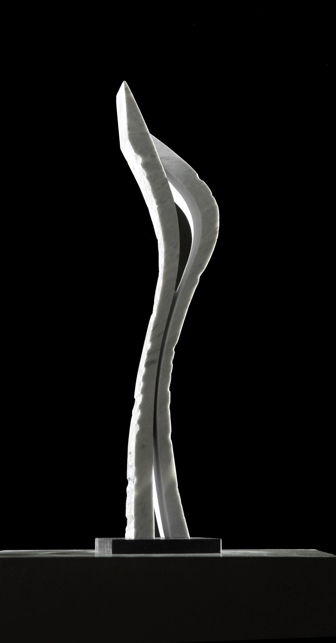 Frank Teufel: o.T., griechischer Marmor, Höhe 70 cm © Premium Modern Art, 4.000 Eur