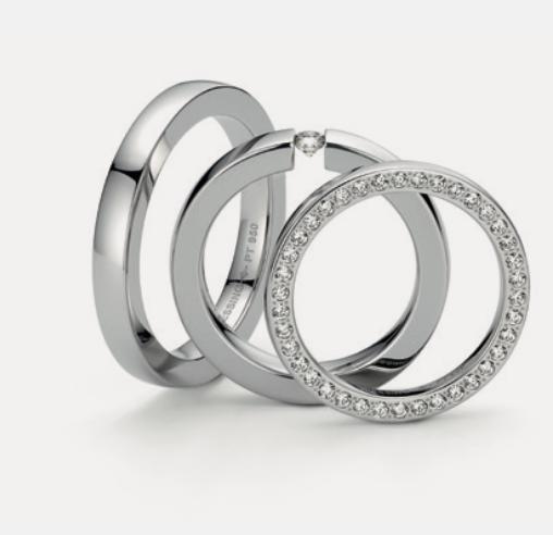Niessing: Trauring Balance 950 Platin – Spannring Balance 950 Platin mit Brillant 0,1ct – Ring Orbit 950 Platin mit Brillanten – ©Niessing