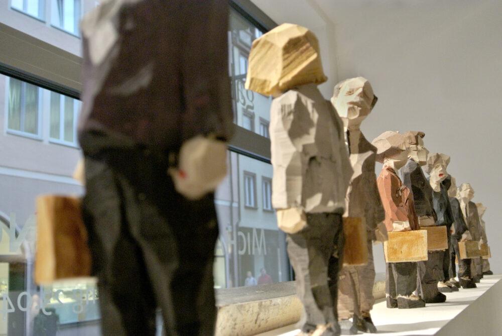 Georg Schulz: bemalte Holzskulptur, Lindenholz, Unikat, 20 cm, 430 eur ©Galerie Voigt