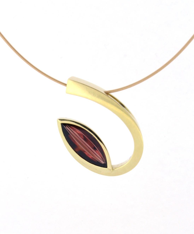 Anhänger Lagune Granat Gold - Angela Hübel - 7010