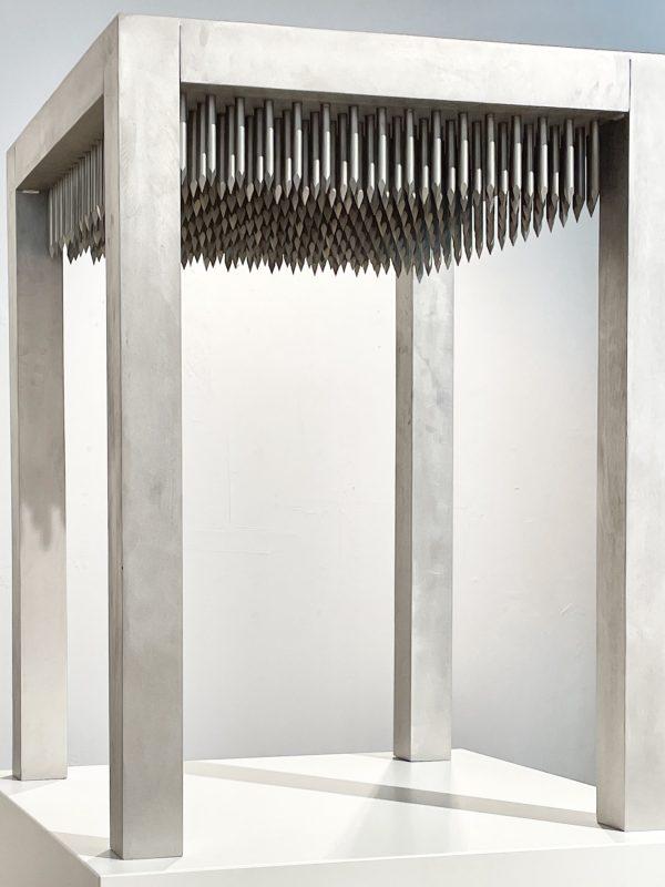 Günther Uecker: Tor, Nageltisch, 89.000 €